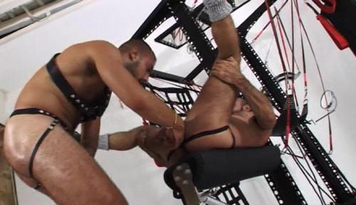 Gay BDSM Botas y Bondage