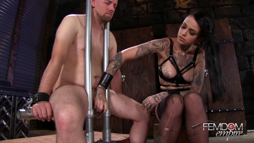 Femdom and Strapon Leigh Raven