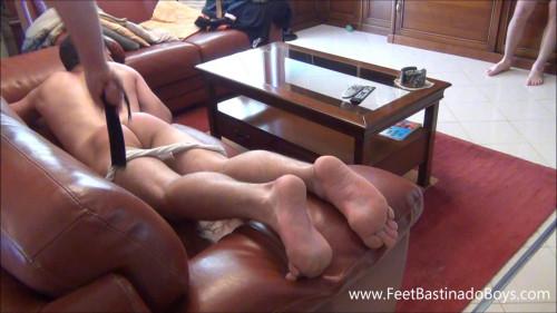 Gay BDSM Feet and Spanking (Lukas Liz. part 1)