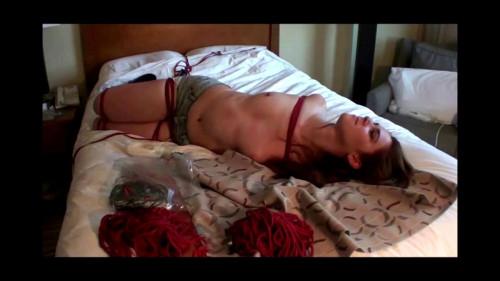 bdsm Hotel Hogtie Orgasm complet