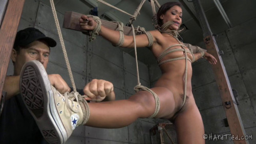bdsm Stunning Skin Diamond gets it as hard and rough as she craves in strict bondage