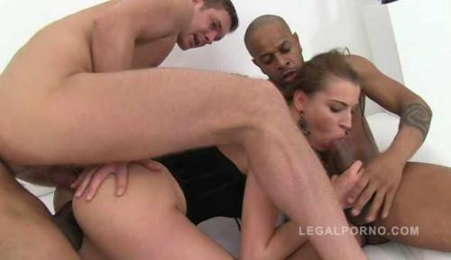 Hot slut in 3on1 orgy