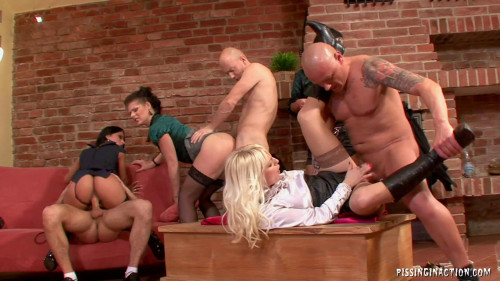 DOWNLOAD from FILESMONSTER: peeing Cindy Gold Winnie Lena Cova Lellou