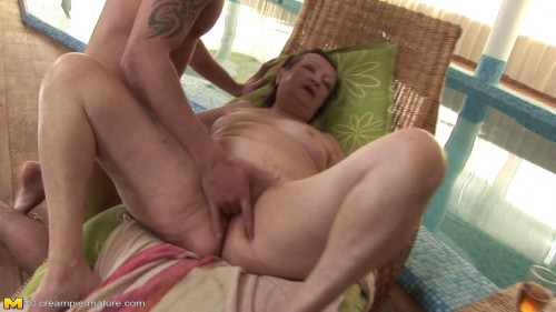 DOWNLOAD from FILESMONSTER: peeing Eva S (56) and Marya (50)