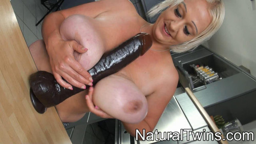 DOWNLOAD from FILESMONSTER: fisting and dildo dildo between her tits