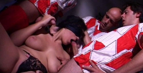 DOWNLOAD from FILESMONSTER: orgies Vi Presento Mia Moglie