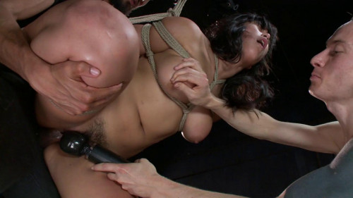 FB – 07-04-2014 – Sexy Asian Slut gets Dicked Down