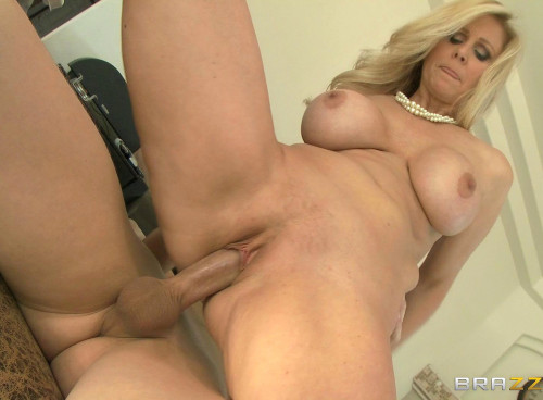Experienced Busty Lady Prepares A Guy To Date