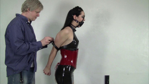 Belle Davis Serene Isley Elizabeth Andrews : Day Dreaming at the Office BDSM