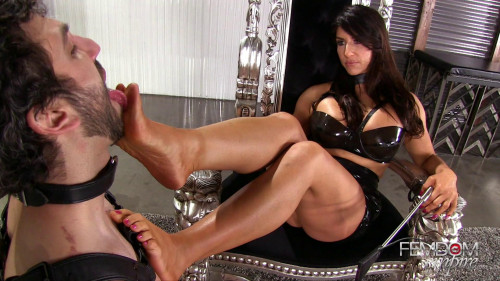 Raven's Foot Reward (16.01.2017) 1080p Femdom and Strapon