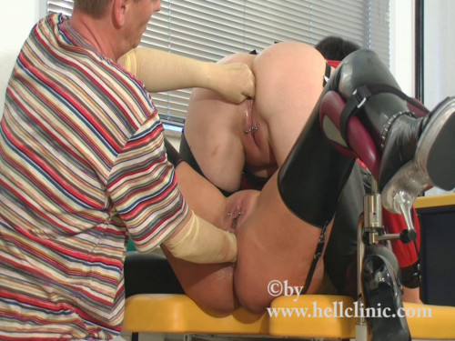 DOWNLOAD from FILESMONSTER: fisting and dildo Double assfisting from the doctor