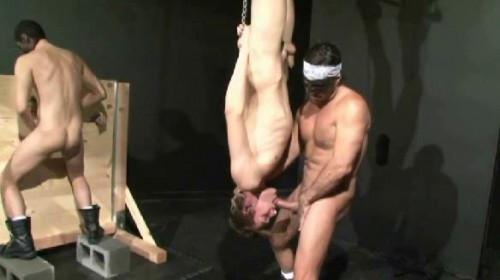 Gangbang Gay BDSM