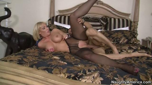 DOWNLOAD from FILESMONSTER: full length films Seduced By A Cougar 36