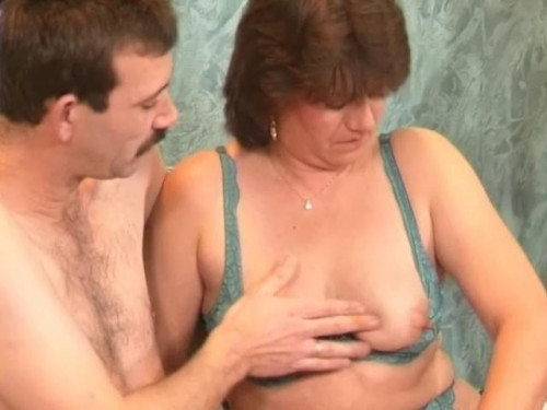 Testing sofa in a group sex Mature, MILF