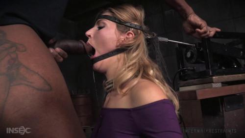 Mona Wales BDSM