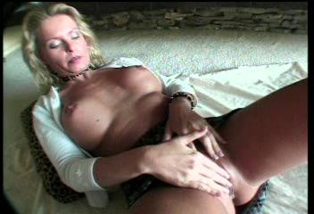 DOWNLOAD from FILESMONSTER: lesbians Rub The Muff