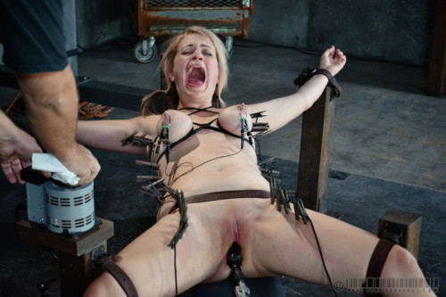 RTB - Winnie Rider, Amy Faye - Winnie the Hun Part 1 - Sep 13, 2014 BDSM