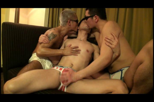Tyson Sportus - Muscle Men fuck and moan Gay Asian
