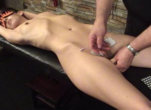 TB – Elise Streached Electric Orgasm