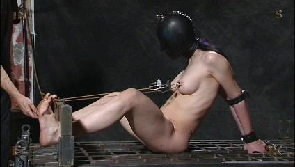 Insex - 16x9 - 731, Elizabeth, Moonshine BDSM