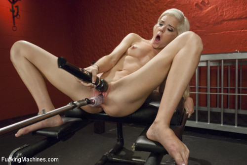 DOWNLOAD from FILESMONSTER: sex machines Merrry Christmas She Squirts for the First Time In Her Life! Shocked!
