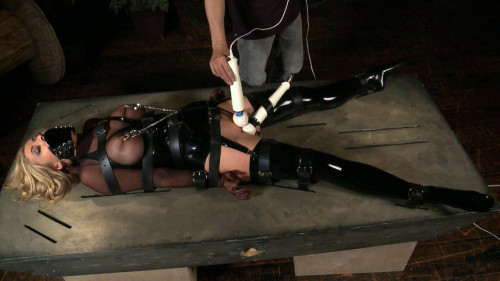 DOWNLOAD from FILESMONSTER: bdsm Randy Moore Bondage (2012)