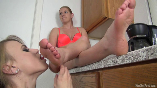 DOWNLOAD from FILESMONSTER: femdom and strapon Sexy girl is sleeping and her naked female slave is sleeping at her feet