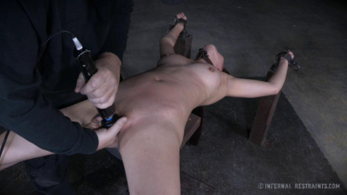 Make Her Scream (6 Mar 2015) Infernal Restraints BDSM