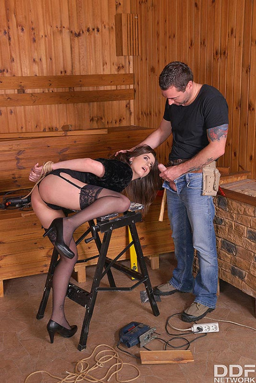 Gabriella Lati – Carpenters Revenge Submissive Client Tied Up For Anal Sex FullHD 1080p