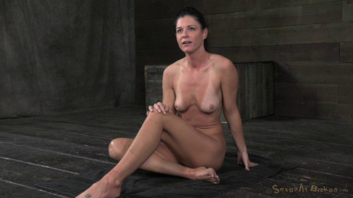 India Summer mummified & suspended BDSM