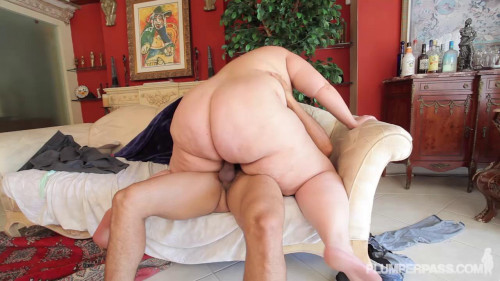 DOWNLOAD from FILESMONSTER: bbw Erin Green – A Helping Hand