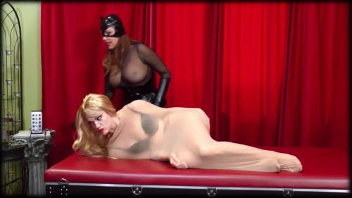 Catwoman vs Harley Quinn BDSM