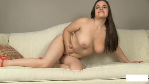 Fatty Kelly flaunts front of the camera naked Masturbation