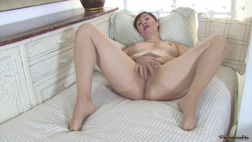 Kitty C Something in common? (2015) MILF Sex