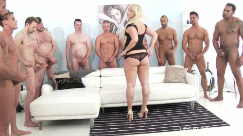Big butt slut in 10 on 1 gangbang