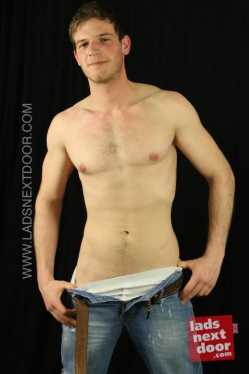 LadsNextDoor - Brian Townsend Gay Solo
