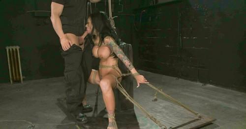 Tough, Sexy, Obedient - Mason Moore, TJ Cummings BDSM