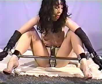 Devonshire Productions – SDS60 – Simone In Steel