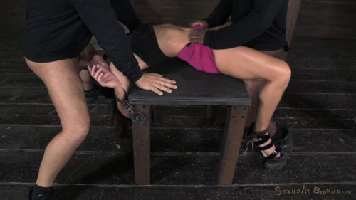 Extreem deepthroating BDSM