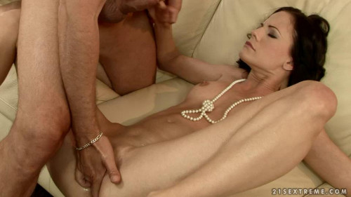 DOWNLOAD from FILESMONSTER: fisting and dildo trains Liz