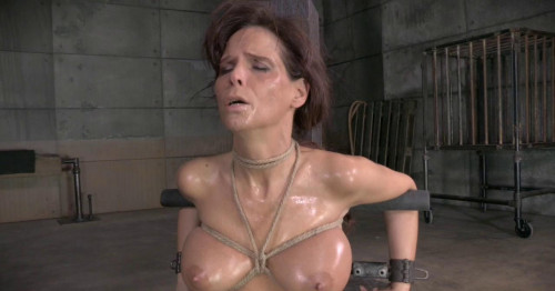 De Mer Shackled Down With Epic Brutal Deepthroat On Bbc BDSM