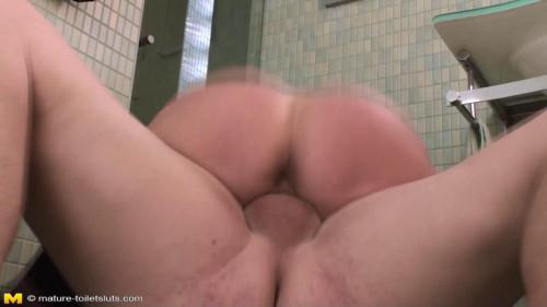 Toilet sluts MILF Sex