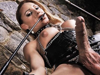 Kinky Mistress Mylena Playing Solo Shemale
