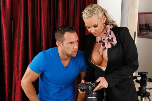 DOWNLOAD from FILESMONSTER: mature milf Johnny and Phoenix