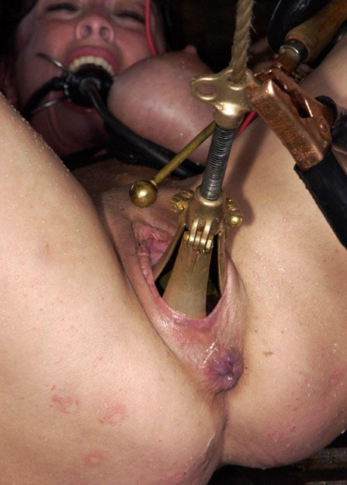The Pear Raw. Realy Hard! BDSM