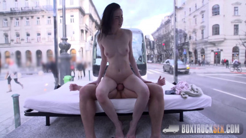 Liz Heaven – Box Truck Sex (2016)