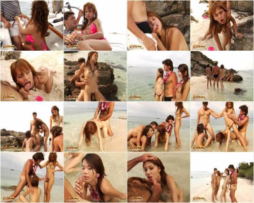 Extreme Ladyboys - Candy Alisa And Bella SheMale
