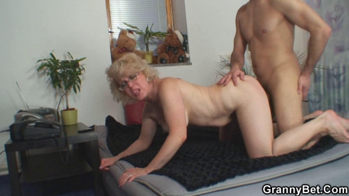 A lucky find in the country MILF Sex