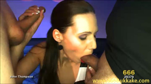 DOWNLOAD from FILESMONSTER: peeing Viktoria und die Piss Karaffe