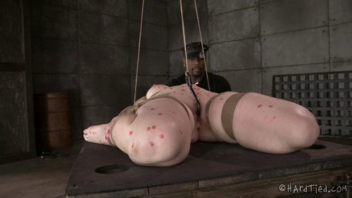 Delirious Hunter (Blondie in Bondage) BDSM